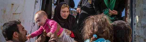 Famílias de terroristas e refugiados sírios convivem lado a lado em Mossul